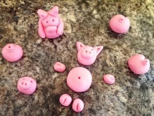 CAKE Pigs 01